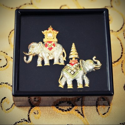 Broches Eléphants royaux