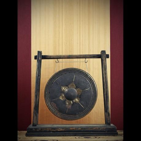 Grand Gong suspendu